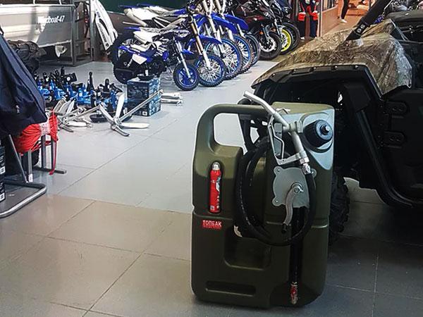 Канистра на 100 литров топлива - удобно и практично