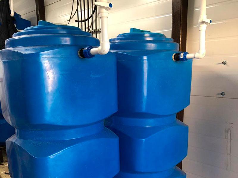 Прямоугольные емкости для воды с крышкой