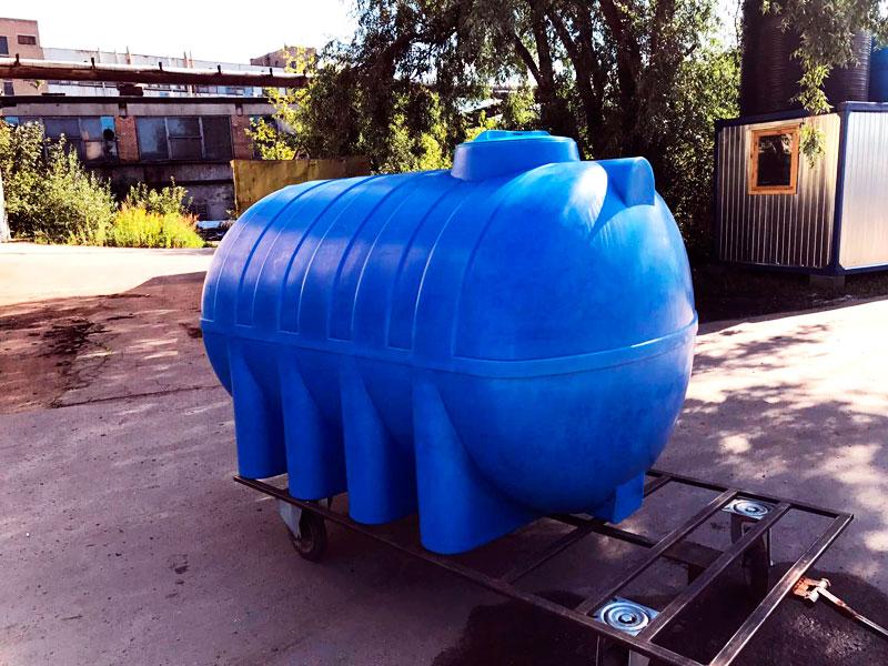 Популярные пластиковые горизонтальные емкости для воды