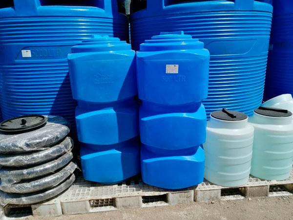 Для полива емкость пластиковая