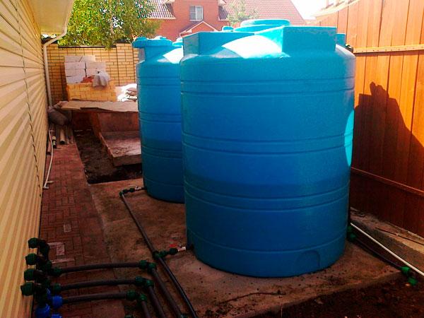 Особенности использования пластиковых емкостей на 10 кубов для воды