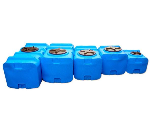 Пластиковые горизонтальные емкости для воды