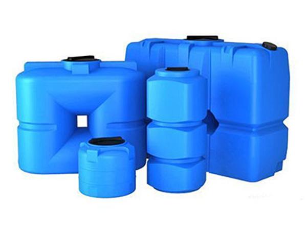 Емкости для воды из пластика